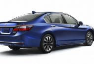 Honda Accord Hybrid 2017 (2)