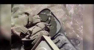 БМП морской пехоты США форсирует реку. Видео дня