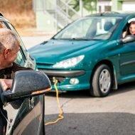 Как правильно буксировать автомобиль: простые советы