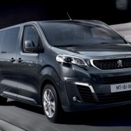 Peugeot Traveller 2019: известна цена и комплектации в России