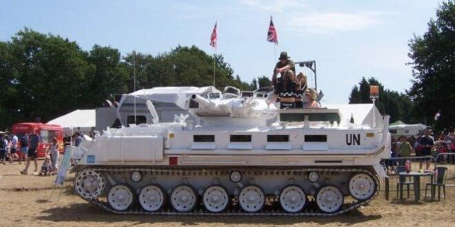 Как выглядит свадебный танк-лимузин?