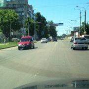 Почему штрафуют за езду по встречной полосе, если на дороге нет разметки?